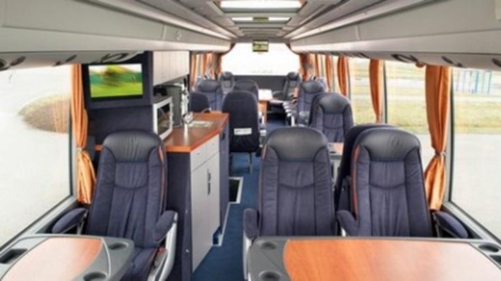27-seater-vip-interieur1