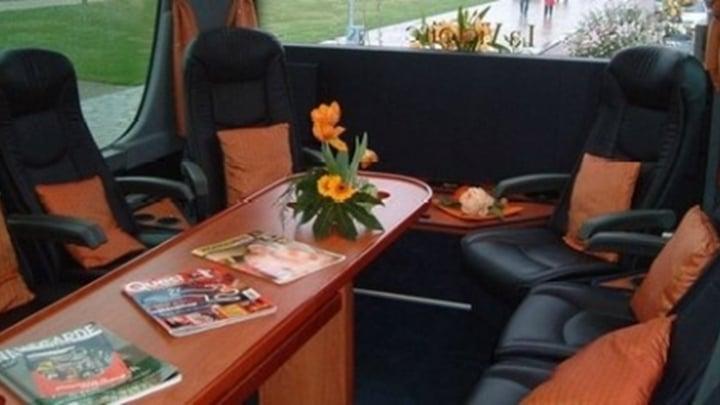 27-seater-vip-interieur2