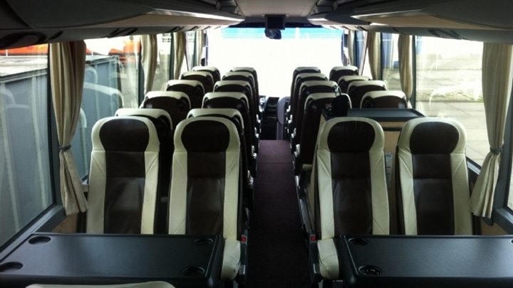 31-seater-vip-interieur2