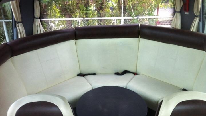 31-seater-vip-interieur1