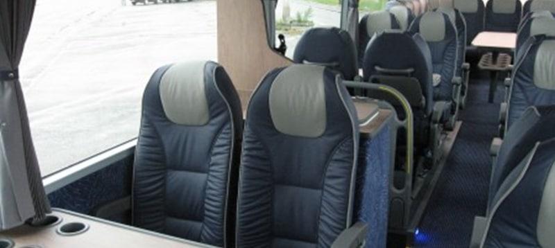 Luxe Vip bus binnen.jpg